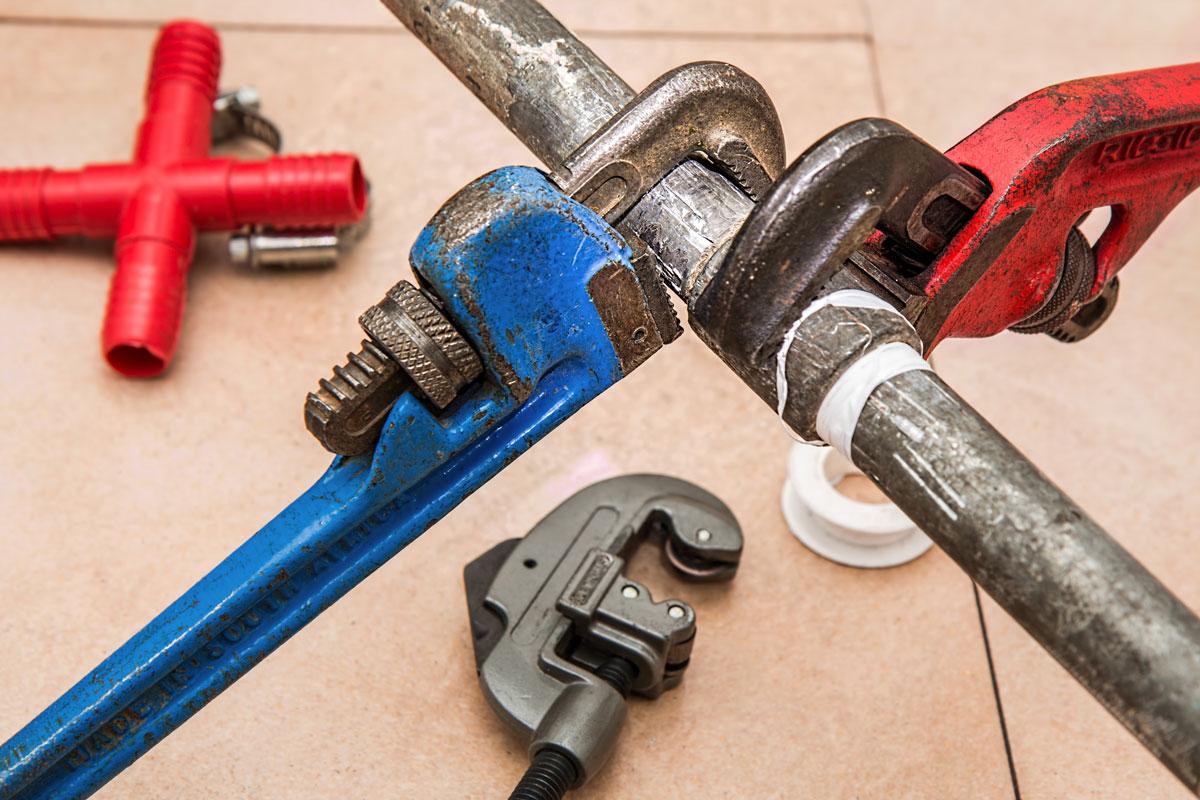 Plumbing Pipes Wrench Repairs